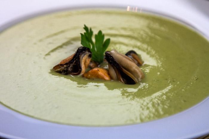 σούπα βελουτέ κολοκύθιού με μύδια