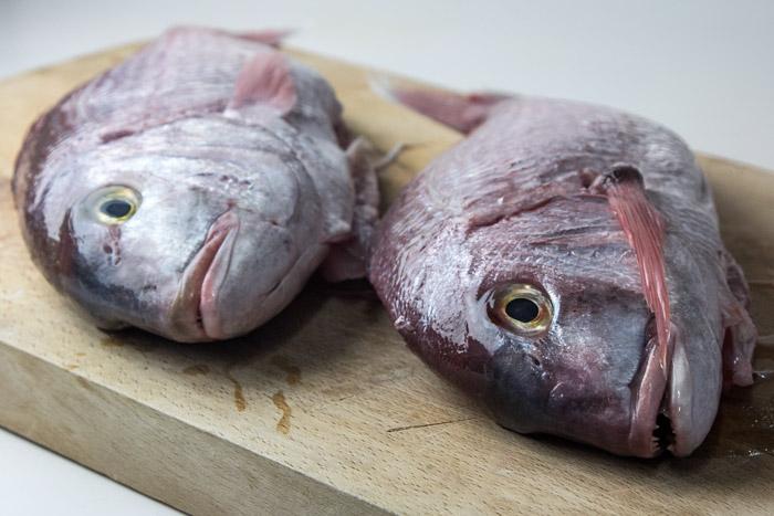 Εύκολο Ψαρι ψητό στο φούρνο με λαχανικά_20141128_0001
