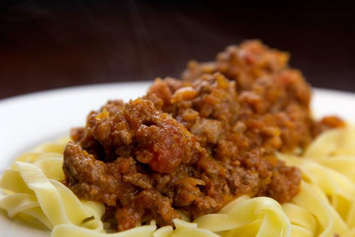 ευκολη και γρηγορη σάλτσα Μπολονέζ