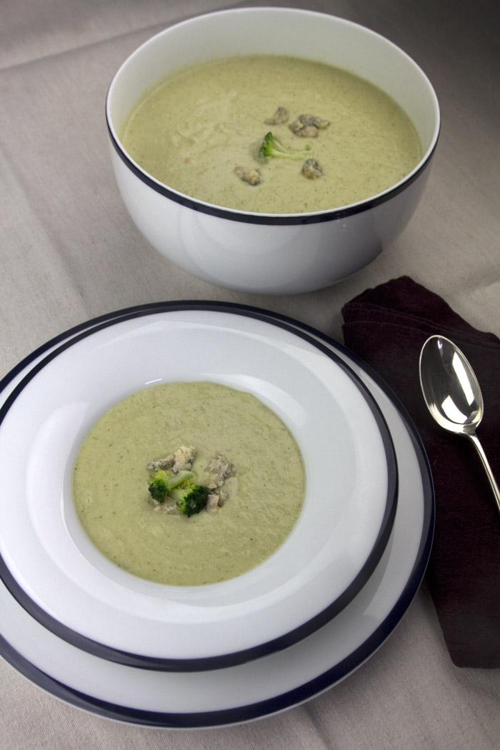 Σούπα μπρόκολου με ροκφορ στιλτον