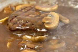 Roux: η εύκολη & νόστιμη τεχνική δεσίματος σάλτσας (VIDEO)