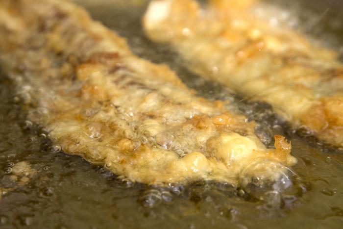 μπακαλιαρος τηγανητός κουρκούτι τεμπούρα μυστικά