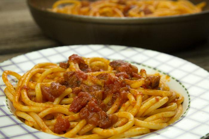 Μακαρόνια  Αματριτσιάνα - Σπαγγέτι Ιταλικό