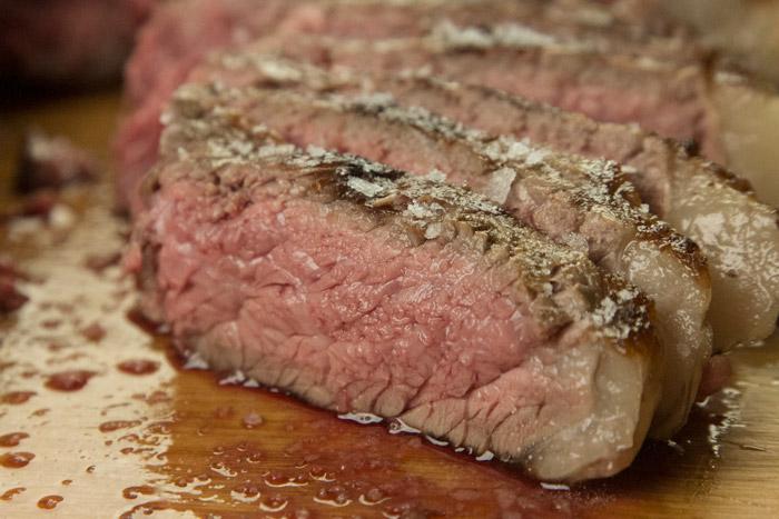 1 κόψιμο στο ψητό κρέας