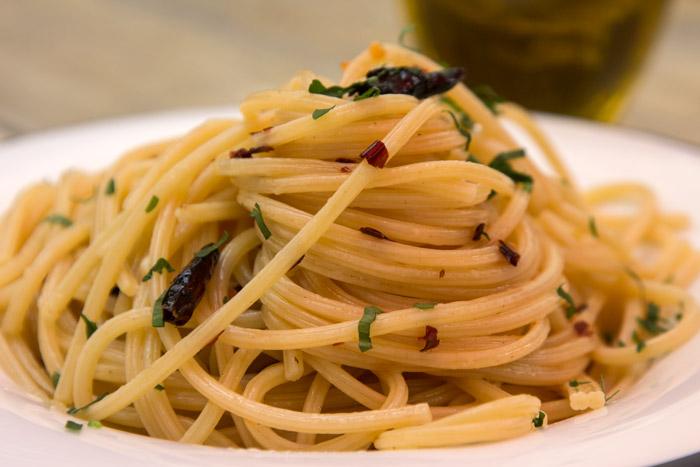 Spaghetti-Aglio-Olio-e'-Peperoncino_180426_0099