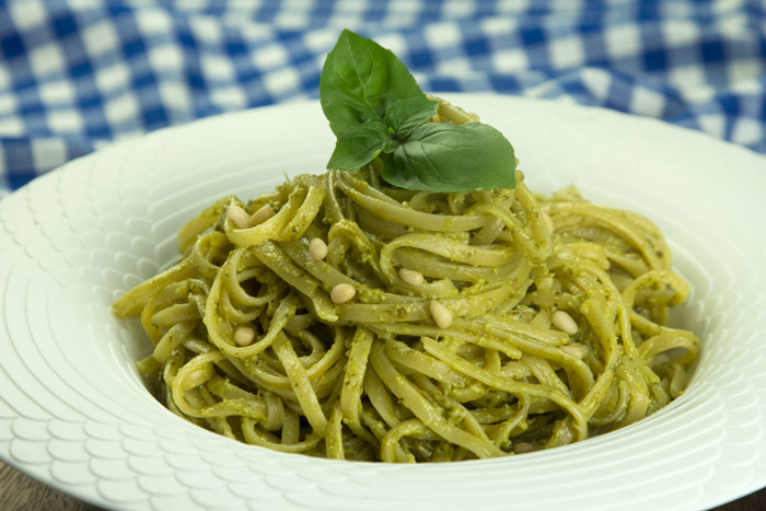 Linguine-al-Pesto180730130